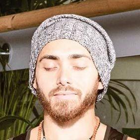 male-yoga-instructor